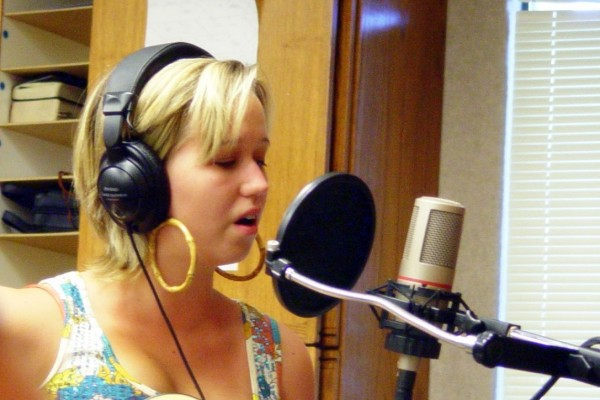 Where to Find Affordable Voiceover Talents Online?