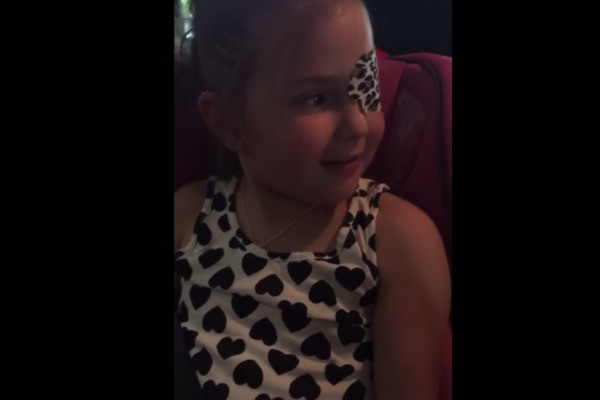 The Voice of Anna, Kristen Bell Surprises a Six-Year-Old Princess